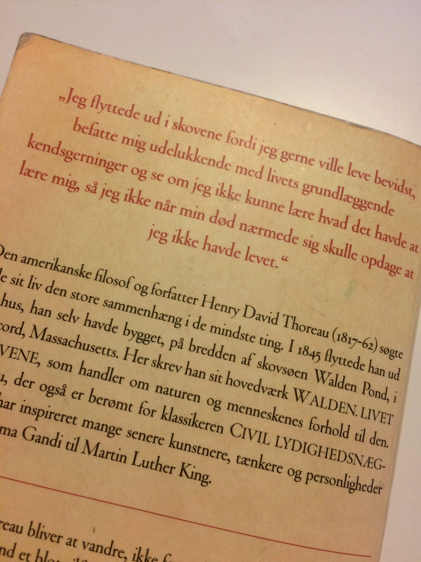 Billede af en side fra bogen 'Walden -Livet i skovene' af Henry David Thoreau.