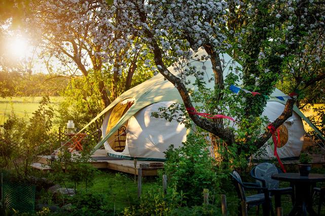 Maria fra Hyldemors Haves telt hvor hun laver kurser i shamanisme.